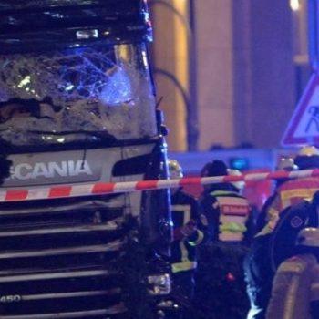 camion-sul-mercatino-di-natale-videoattentato-a-berlino-almeno-9-morti_41e03796-c62a-11e6-bf35-e510cc629dc1_998_397_big_story_detail