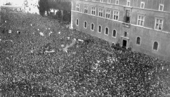 Dichiarazione_di_guerra_a_Piazza_Venezia_(10_giugno_1940)