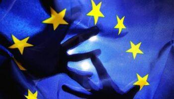 bandiera-europea-mani